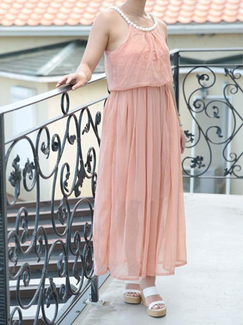 秋の結婚式にはピンクベージュのブライズメイドドレス