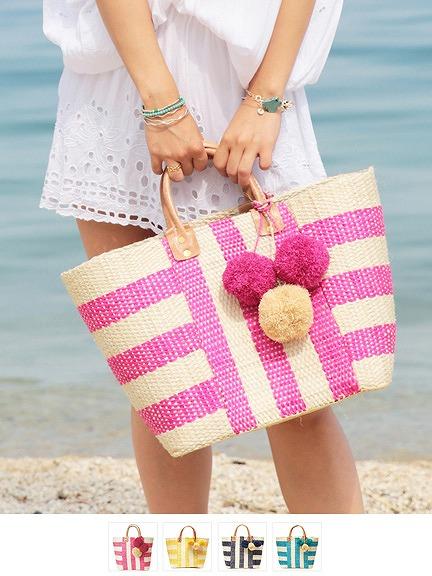 リゾートファッションコーデと合わせやすいかごバッグ