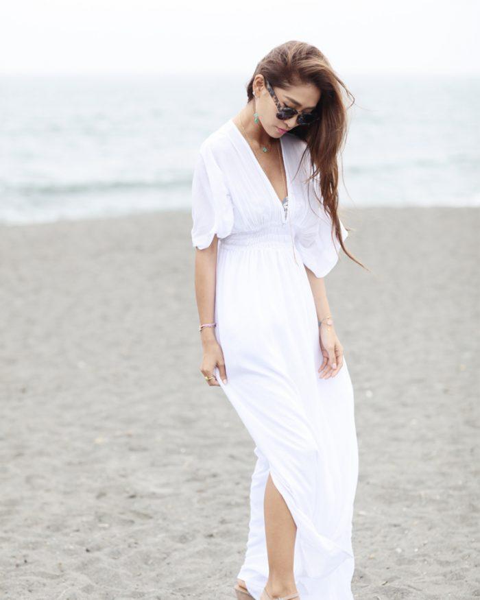 体型カバーファッション_白ワンピース
