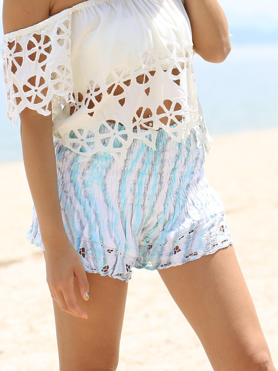 LAUT BLUE(ラウトブルー)カットワーク刺繍のショートパンツ/スカイブルーグレー