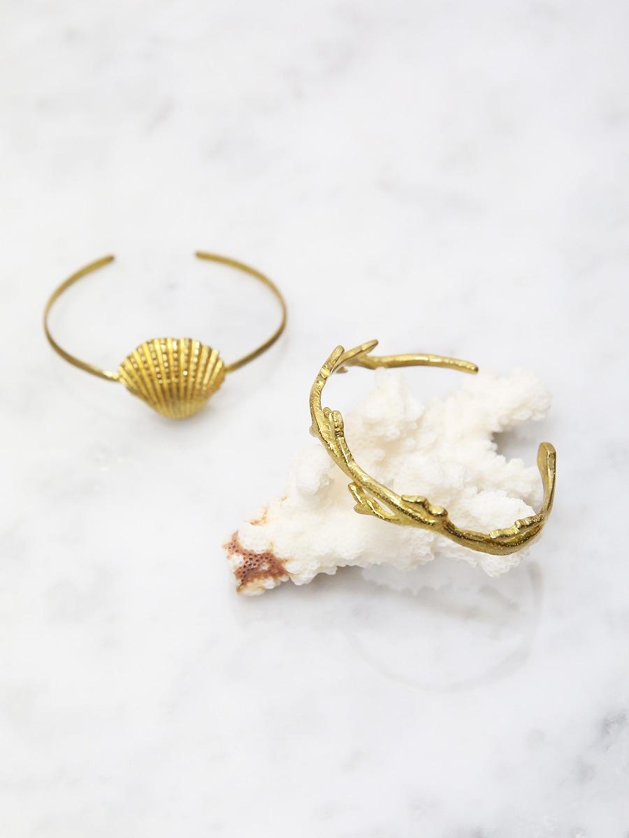chibi jewels(チビ・ジュエルズ)コーラル・シェルカフバングルブレスレット